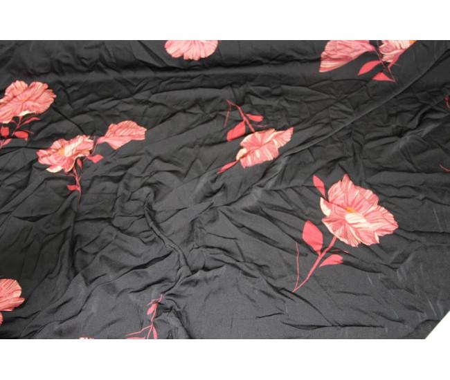 Искусственный шёлк,  в наличии 18.5м,  цвет фона чёрный