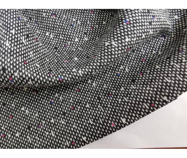 Жаккардовый костюмно-плательный трикотаж - джерси с твидовой фактурой.