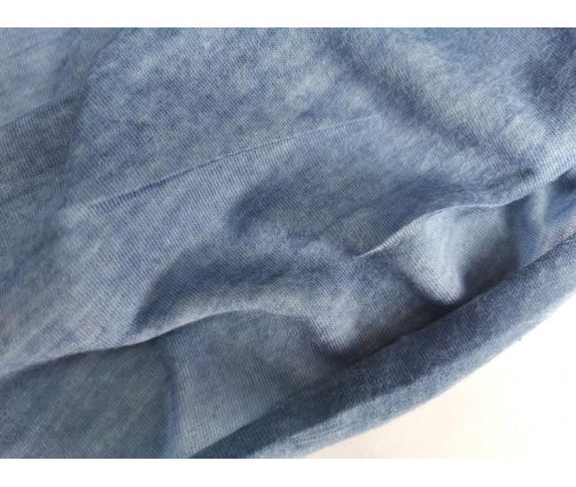 Тонкий трикотаж, цвет вареный голубой.