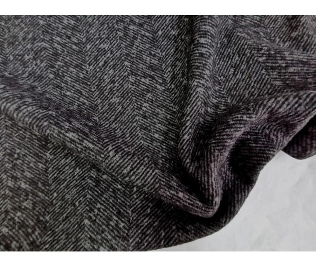 Пальтово-костюмный шерстяной  трикотаж. Цвет черно-серый.