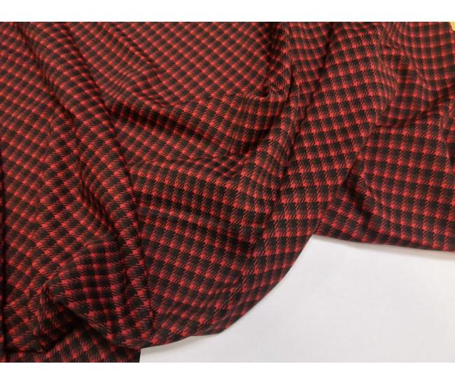 Костюмно-плательный трикотаж-джерси.  Цвет черно- красная клетка