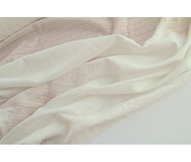 Плательно-блузочный жаккардовый хлопковый батист,цвет молочный.