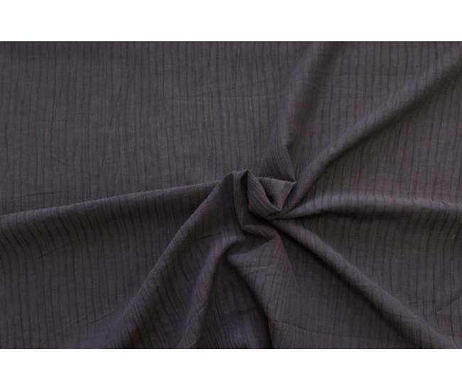 Блузочно-плательная фактурная крапива с эффектом крэш.   Цвет  пурпурный.