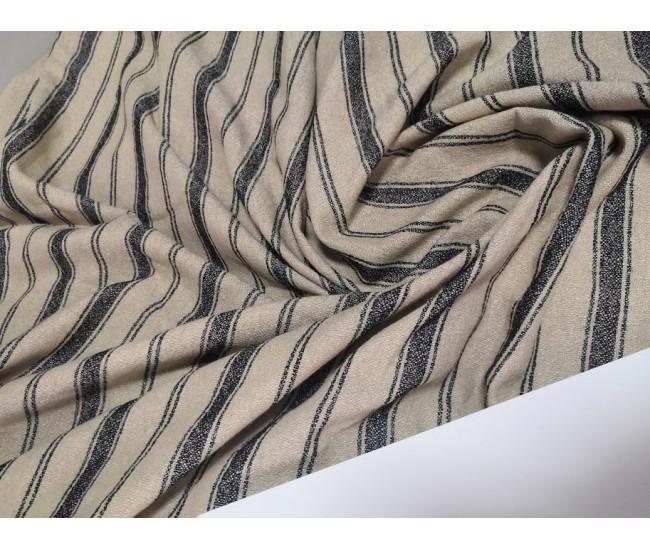 Костюмно-плательная ткань, Отрез 4,8м.,  цвет фона  бежево-телесный