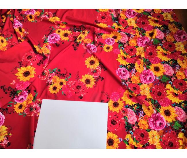 Искусственный шелк,  цвет фона красный