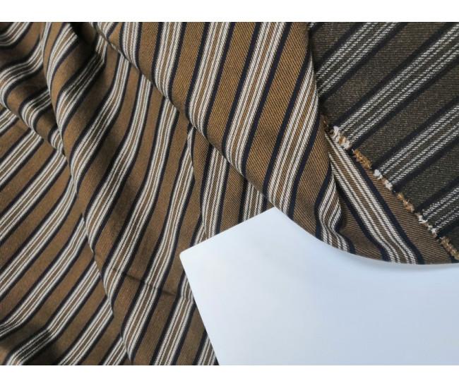 Костюмный стрейчевый хлопок, отрез 3м.  цвет фона коричневый