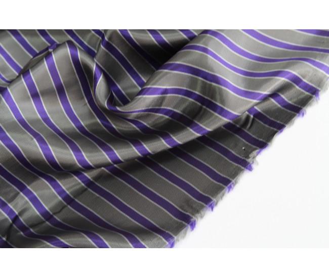 Двусторонняя подкладочная ткань в полоску, полоска поперек кромки,  цвет серо-фиолетовый