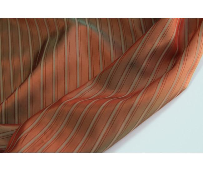Подкладочная жаккардовая ткань в полоску, полоска вдоль  кромки,  цвет оранжево-оливковый хамелеон