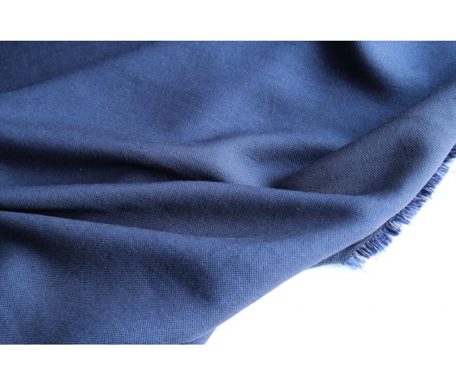 Костюмно-плательная вискоза, цвет синий, переплетение рогожка.