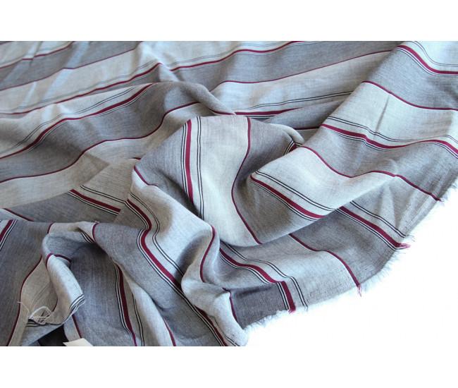Костюмно-плательная вискоза в полоску,полоска поперек кромки, фон  серый меланж
