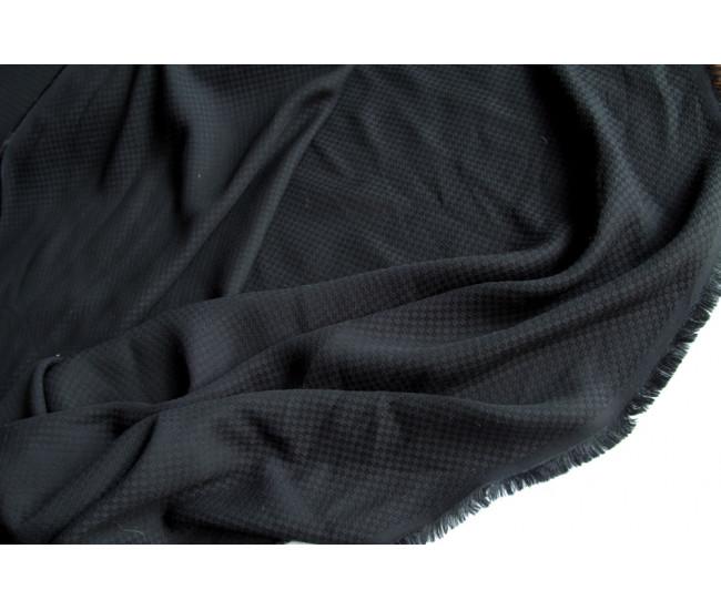 Плательно-блузочная  жаккардовая вискоза, цвет  черный.