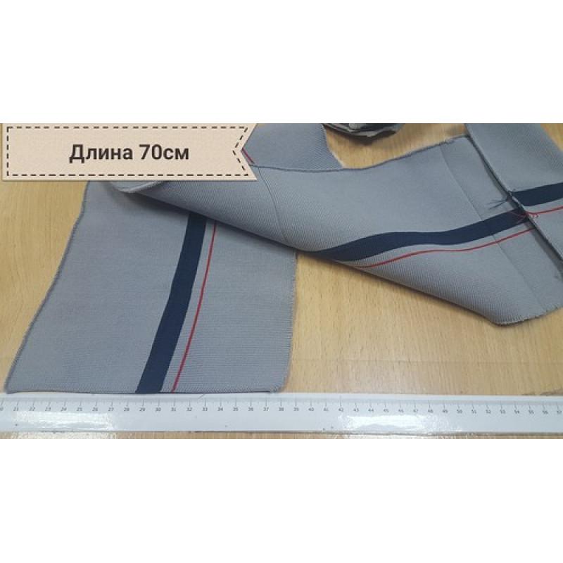 Серый подвяз в широкую полоску темно синего цвета и  узкую красную полоску